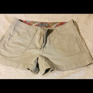 Old Navy khakis shorts